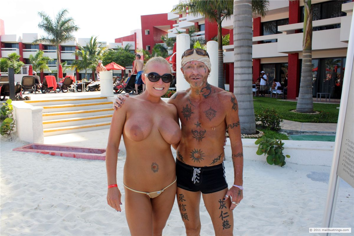 in cancun resorts Nudist