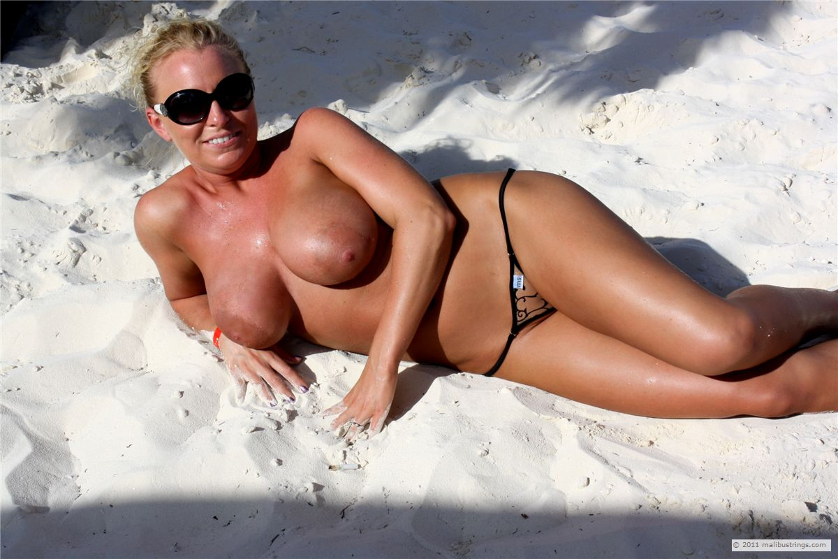 bond girls nude pictures