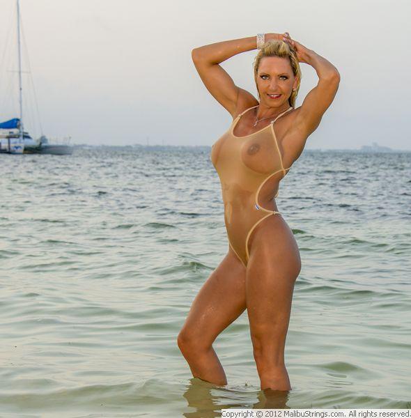 competitor galleries Bikini