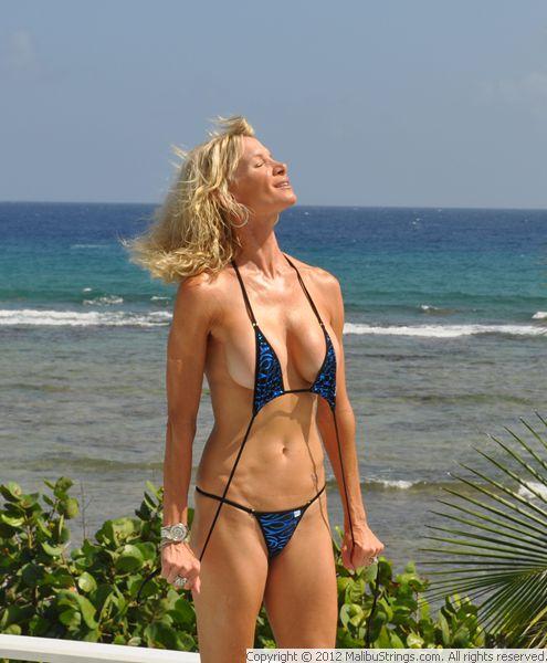 plyazh-mikro-bikini
