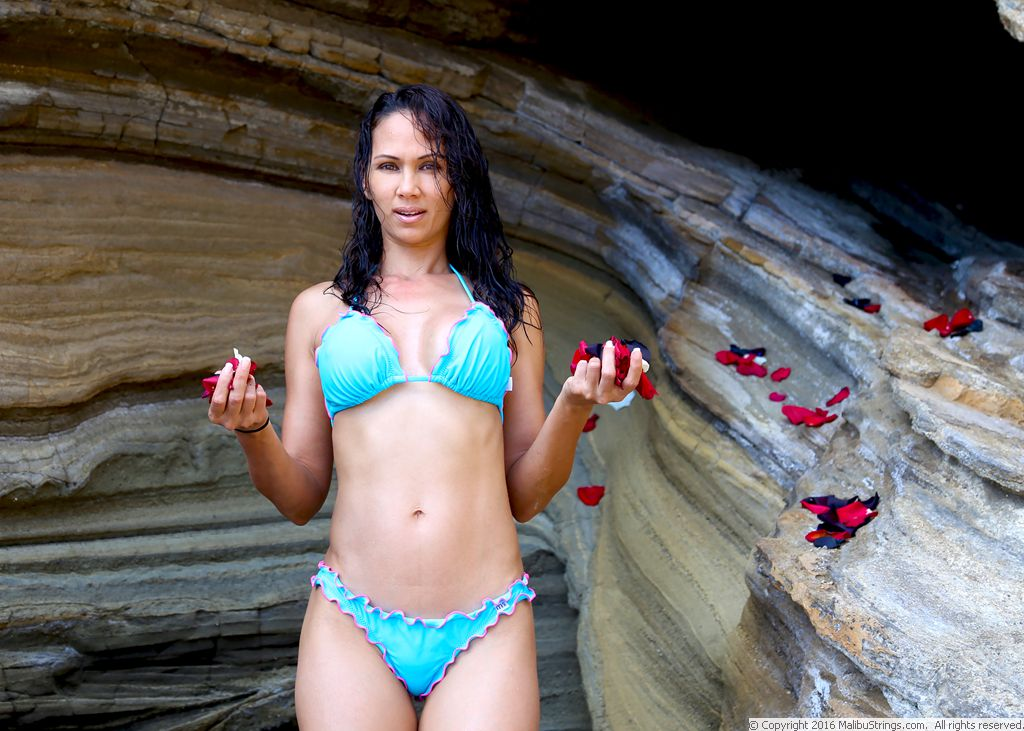 Malibustrings Com Bikini Competition Ann Gallery 2