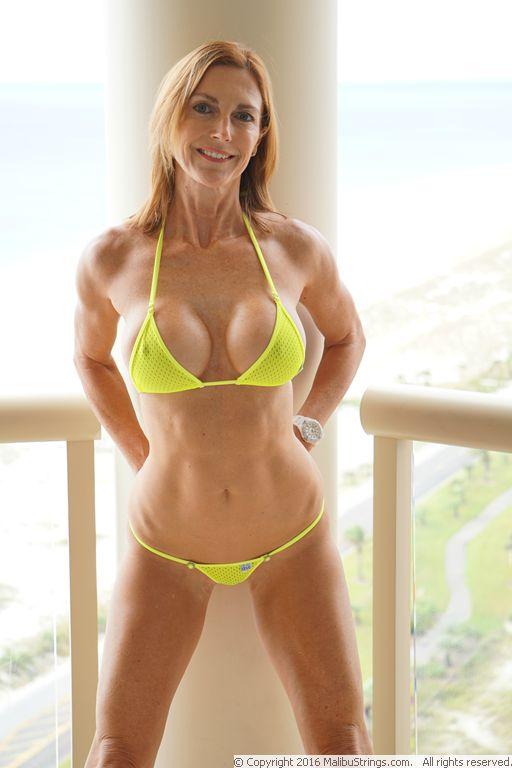milf Sexy bikini